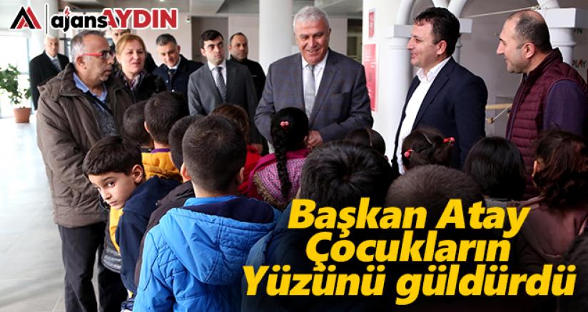 Başkan Atay çocukların yüzünü güldürdü