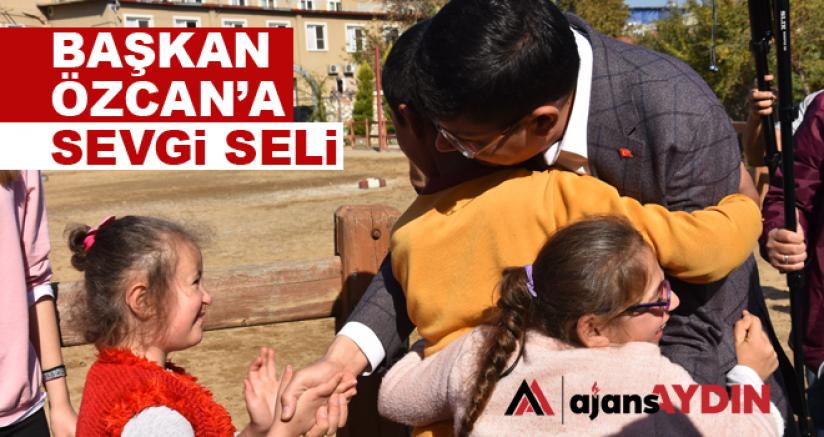 Başkan Özcan'a sevgi seli